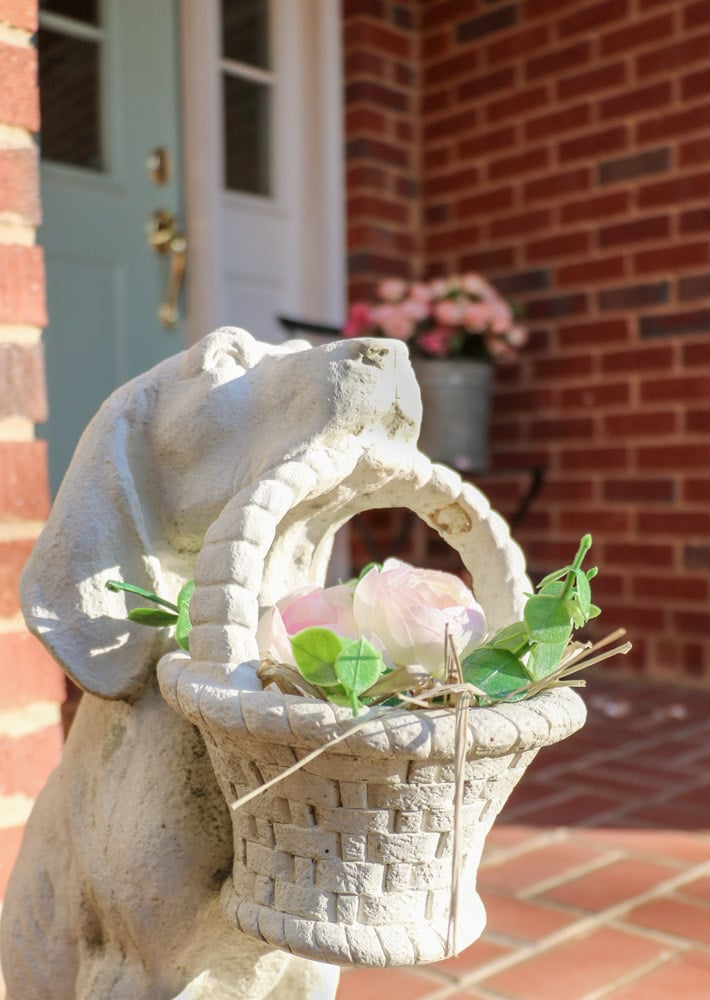 Valentine's Day Porch Decor Ideas of a dog with flowers
