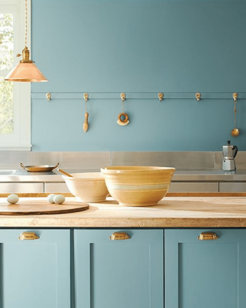 Benjamin Moore paint color of the year Aegean teal