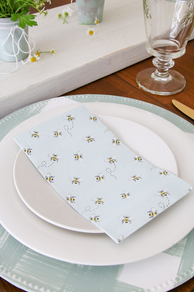 Simple place setting with Martha Steward honey bee napkins DIY