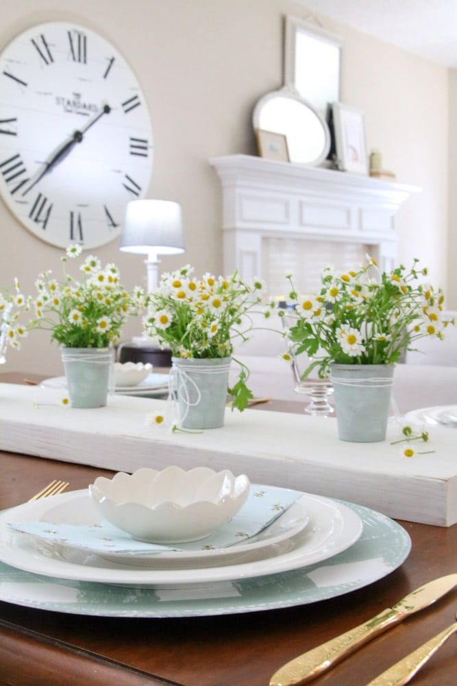 Spring table decorations idea
