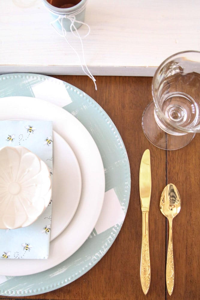 DIY table decorations for spring