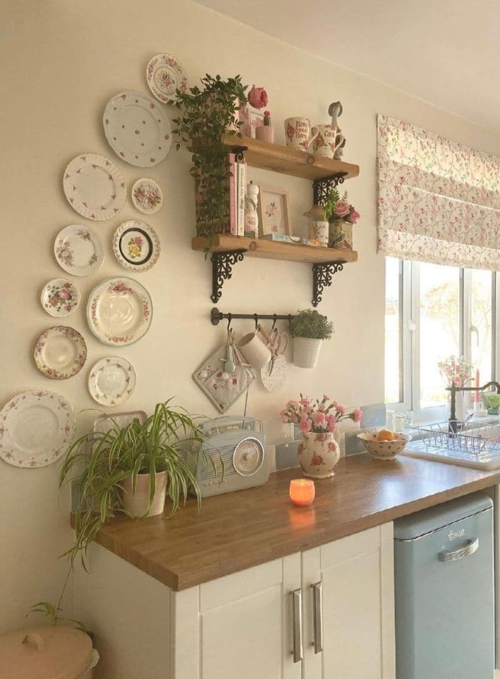 Cottage core decorating ideas in a kitchen