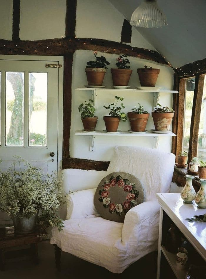 Cottagecore decor using plants
