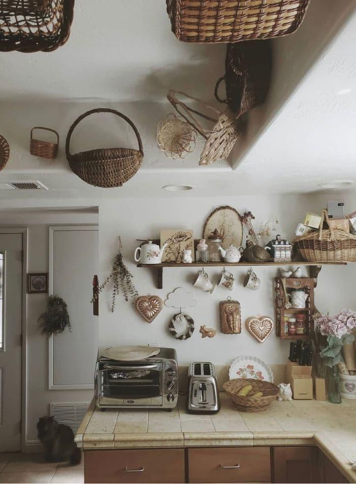 Farmcore kitchen idea using baskets