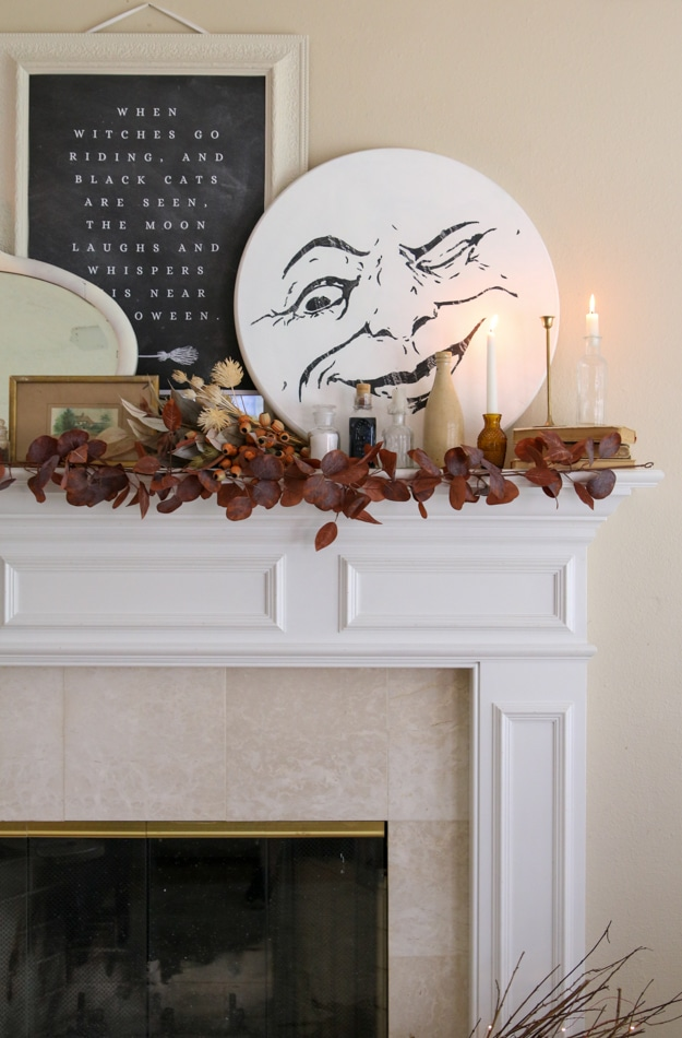 Old fashioned halloween decorations on a mantle