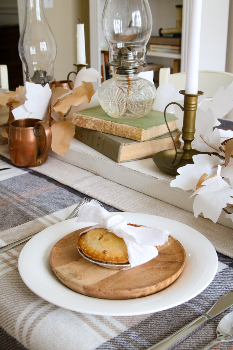 Easy Thanksgiving table decorations